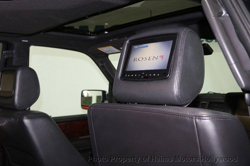 2014 Lincoln Navigator 4WD 4dr - 17048416 - 18