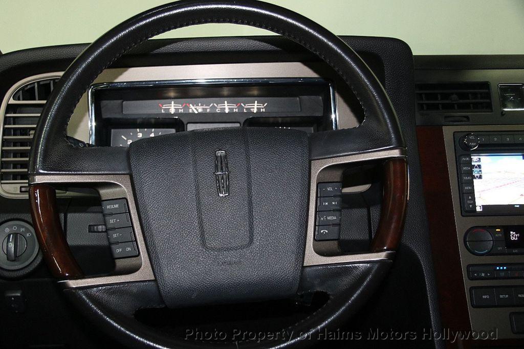 2014 Lincoln Navigator 4WD 4dr - 17048416 - 33