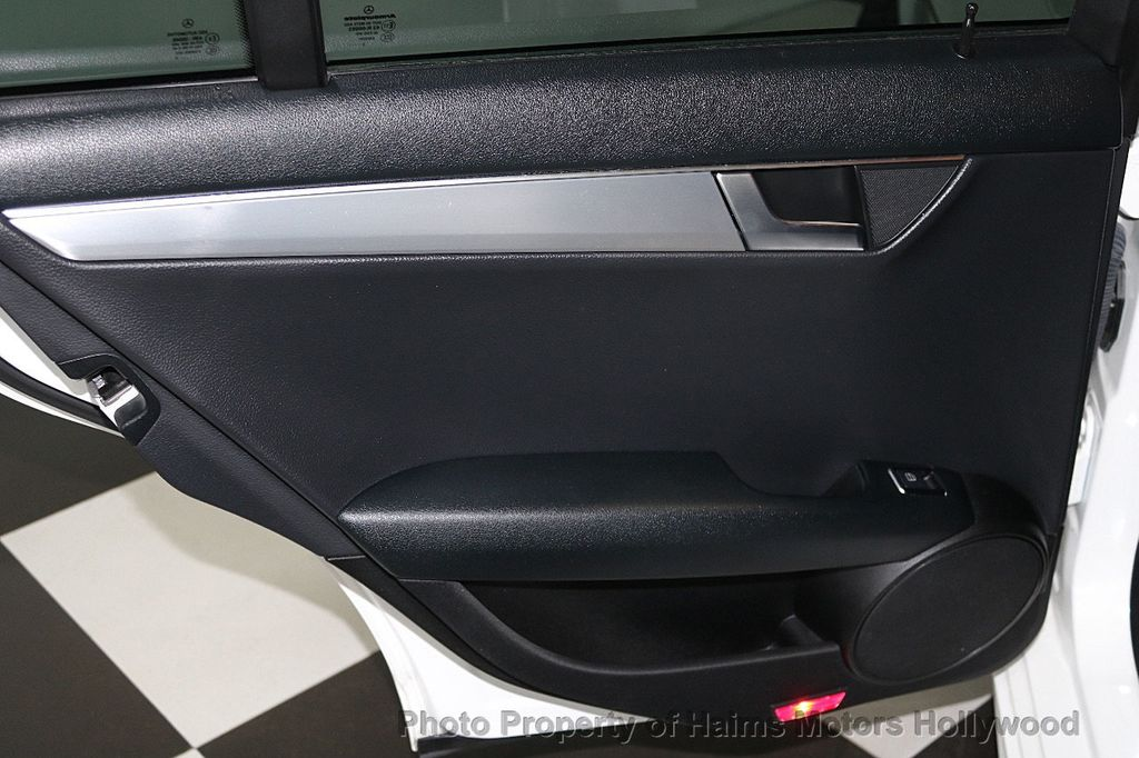 2014 Mercedes-Benz C-Class 4dr Sedan C 250 Sport RWD - 17441742 - 10