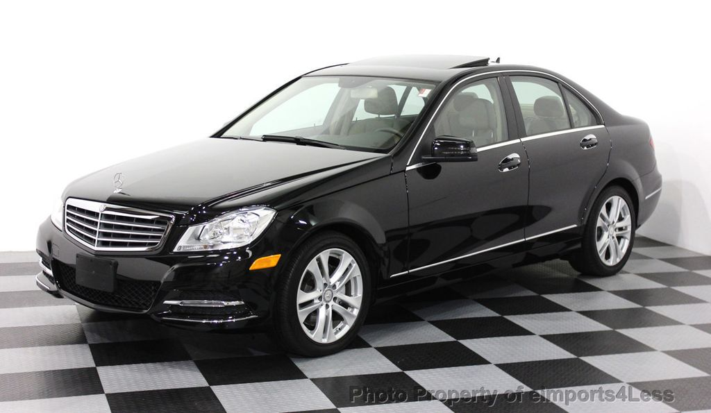 Beautiful 2014 Mercedes Benz C Class CERTIFIED C300 4Matic LUXURY MODEL AWD CAMERA /  NAV