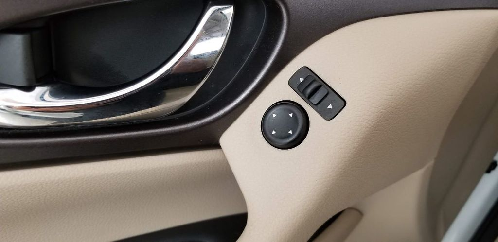 2014 Nissan Rogue AWD 4dr SV - 18007091 - 39