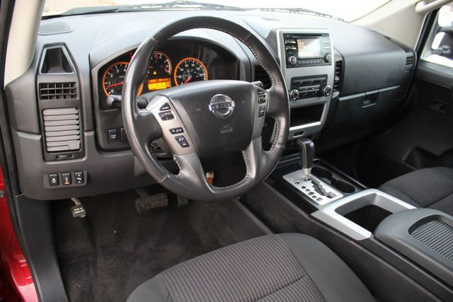 2014 Nissan Titan 4WD PRO-4X CREW CAB - Click to see full-size photo viewer