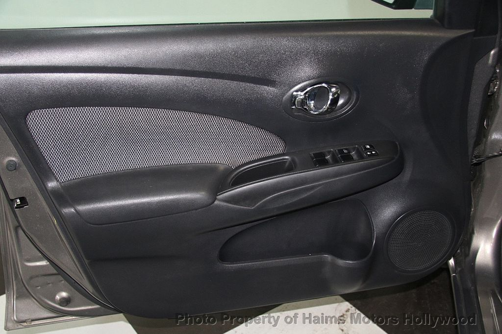 2014 Nissan Versa 4dr Sedan CVT 1.6 SV - 17286562 - 11