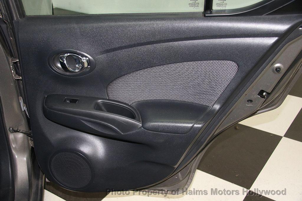 2014 Nissan Versa 4dr Sedan CVT 1.6 SV - 17286562 - 13