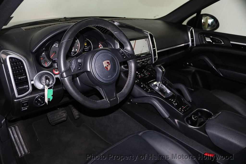 2014 Porsche Cayenne Base Trim - 17753006 - 17