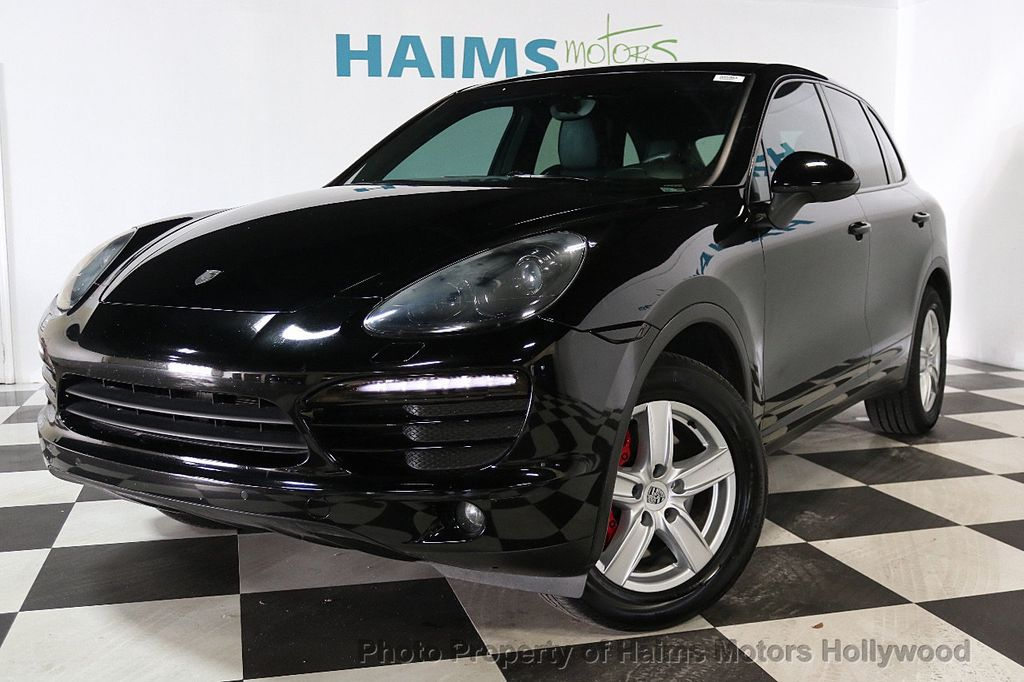 2014 Porsche Cayenne Base Trim - 17753006 - 1