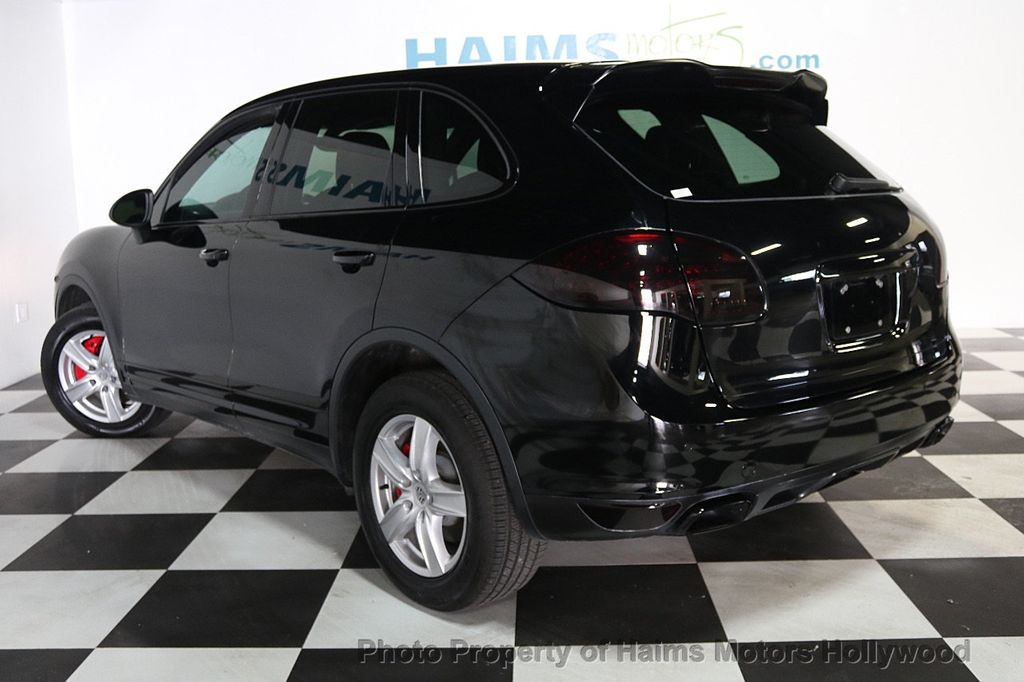 2014 Porsche Cayenne Base Trim - 17753006 - 4