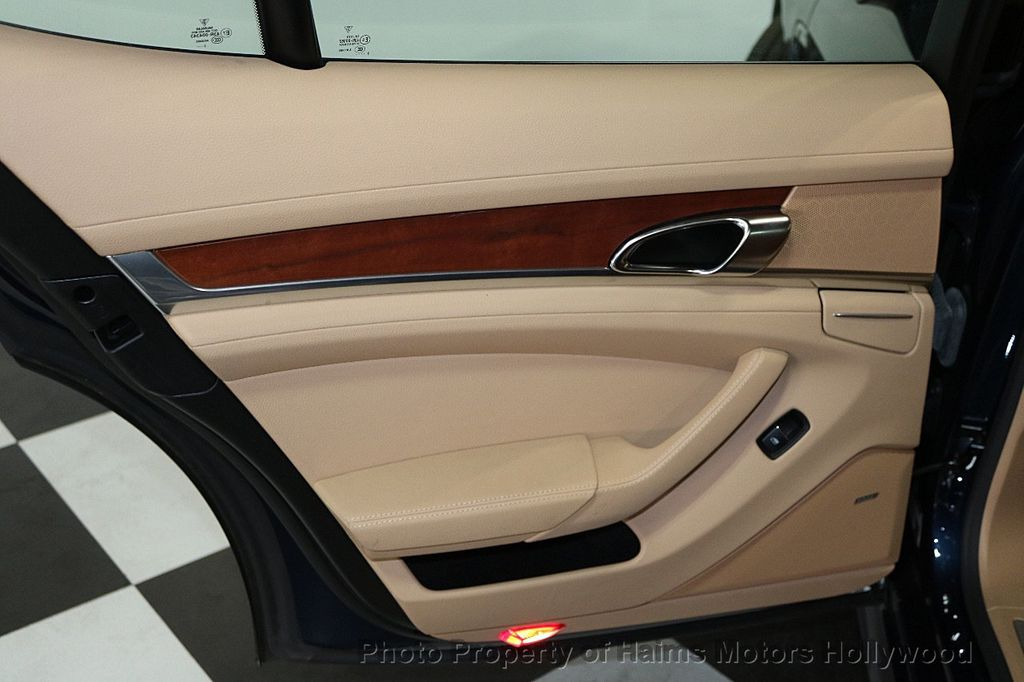 2014 Porsche Panamera 4dr Hatchback - 17509755 - 11