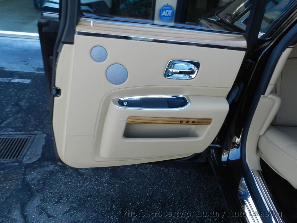 2014 Rolls-Royce Ghost 4dr Sedan - 17910503 - 25