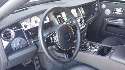 2014 Rolls-Royce Ghost Luxury 5 Place Sedan - Click to see full-size photo viewer
