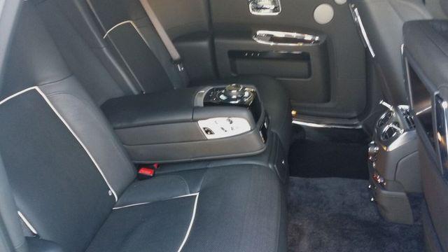2014 Rolls-Royce Ghost Luxury 5 Place Sedan - 16916819 - 24
