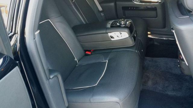 2014 Rolls-Royce Ghost Luxury 5 Place Sedan - 16916819 - 29