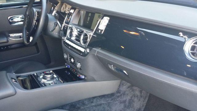 2014 Rolls-Royce Ghost Luxury 5 Place Sedan - 16916819 - 35