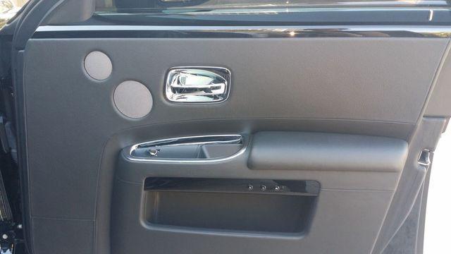 2014 Rolls-Royce Ghost Luxury 5 Place Sedan - 16916819 - 36