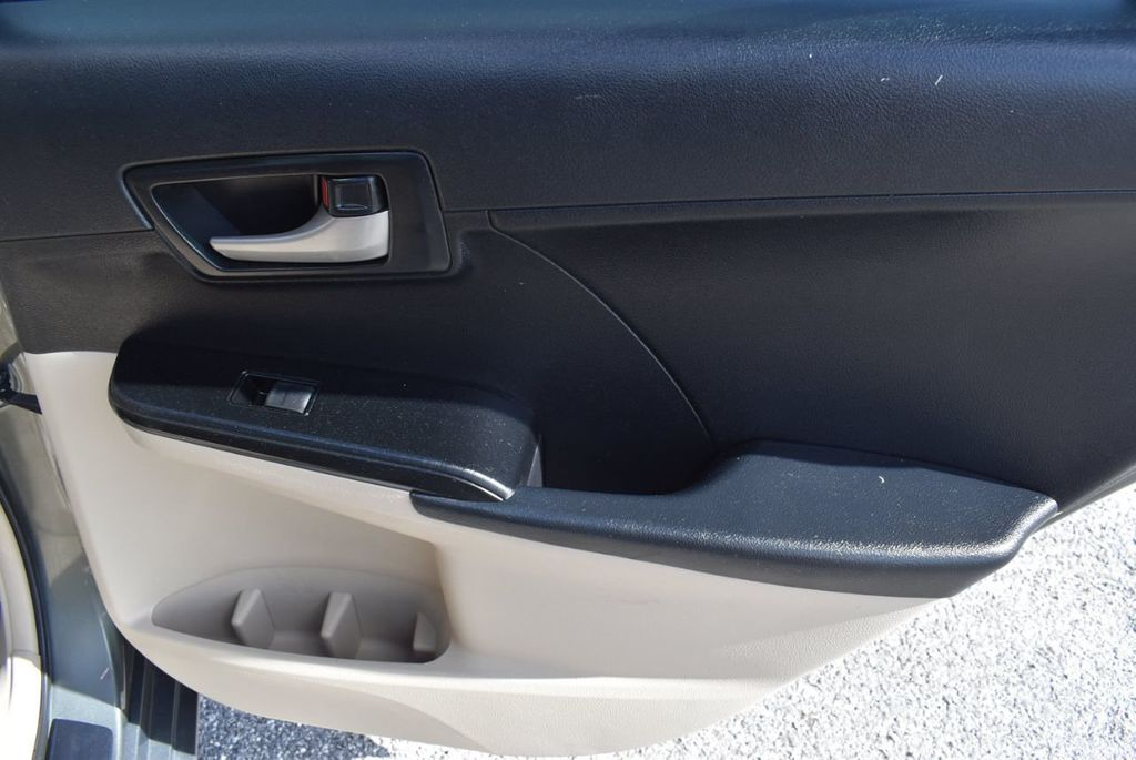 2014 Toyota Camry 2014.5 4dr Sedan I4 Automatic L - 18157158 - 23