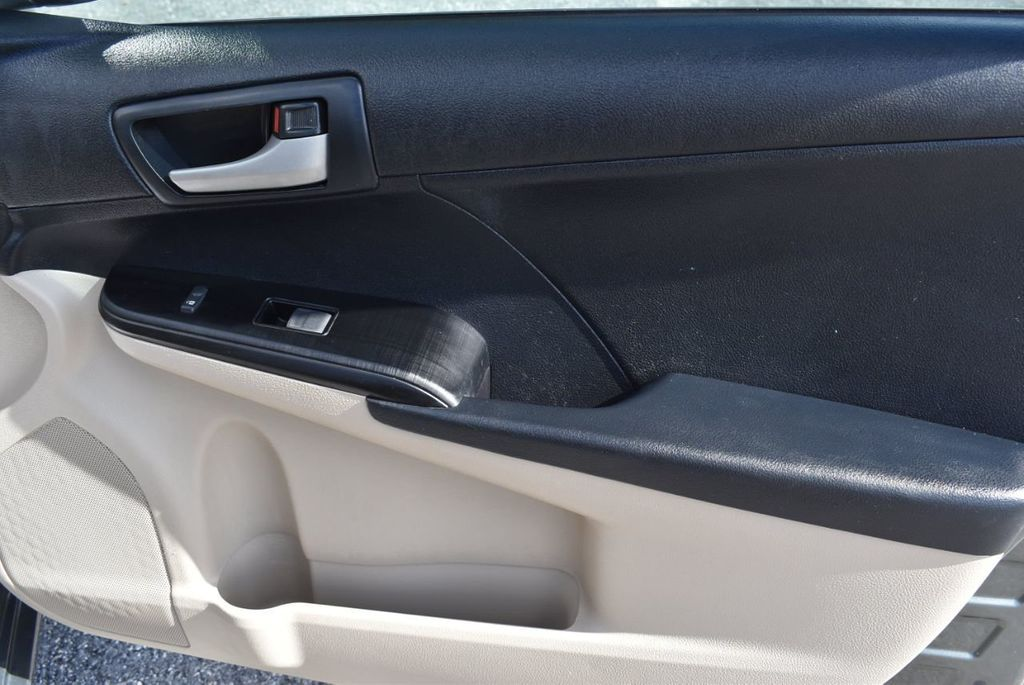 2014 Toyota Camry 2014.5 4dr Sedan I4 Automatic L - 18157158 - 25