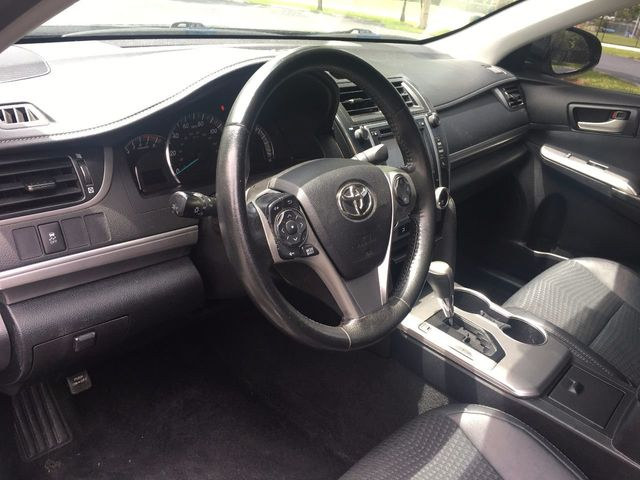 2014 Toyota Camry 2014.5 4dr Sedan I4 Automatic SE - Click to see full-size photo viewer