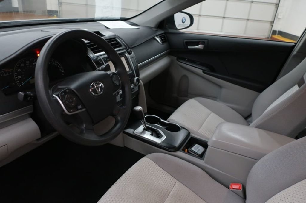 2014 Toyota Camry 4DR SDN I4 LE AT - 17113749 - 10
