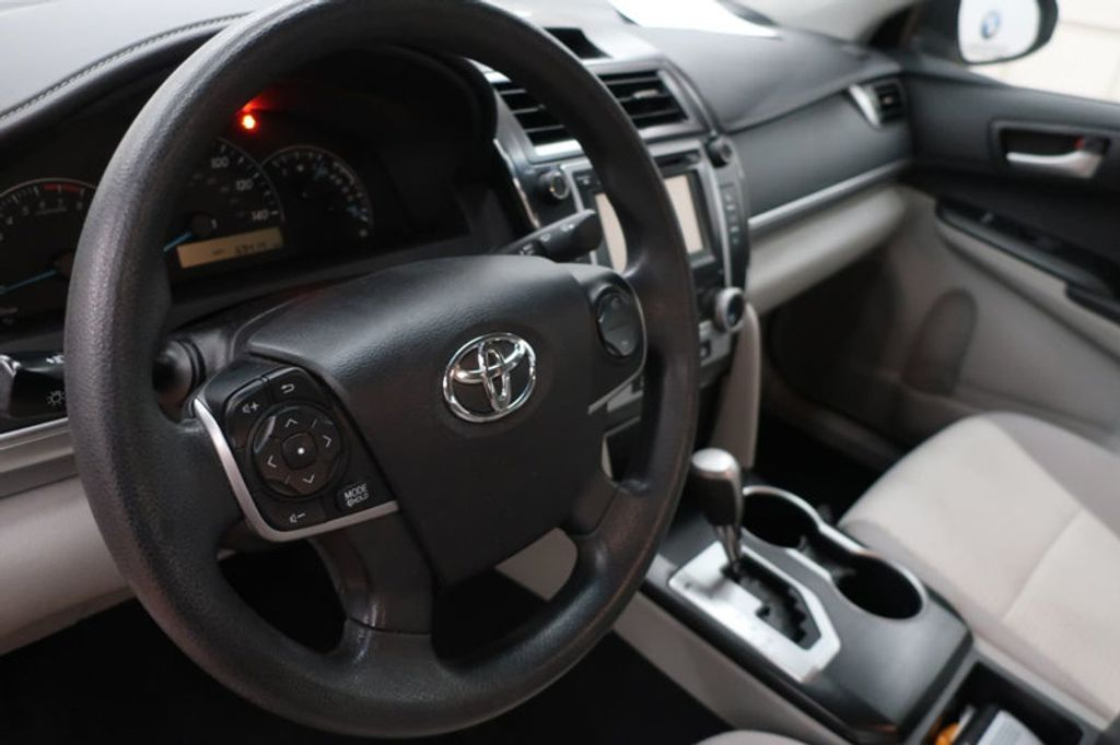 2014 Toyota Camry 4DR SDN I4 LE AT - 17113749 - 22