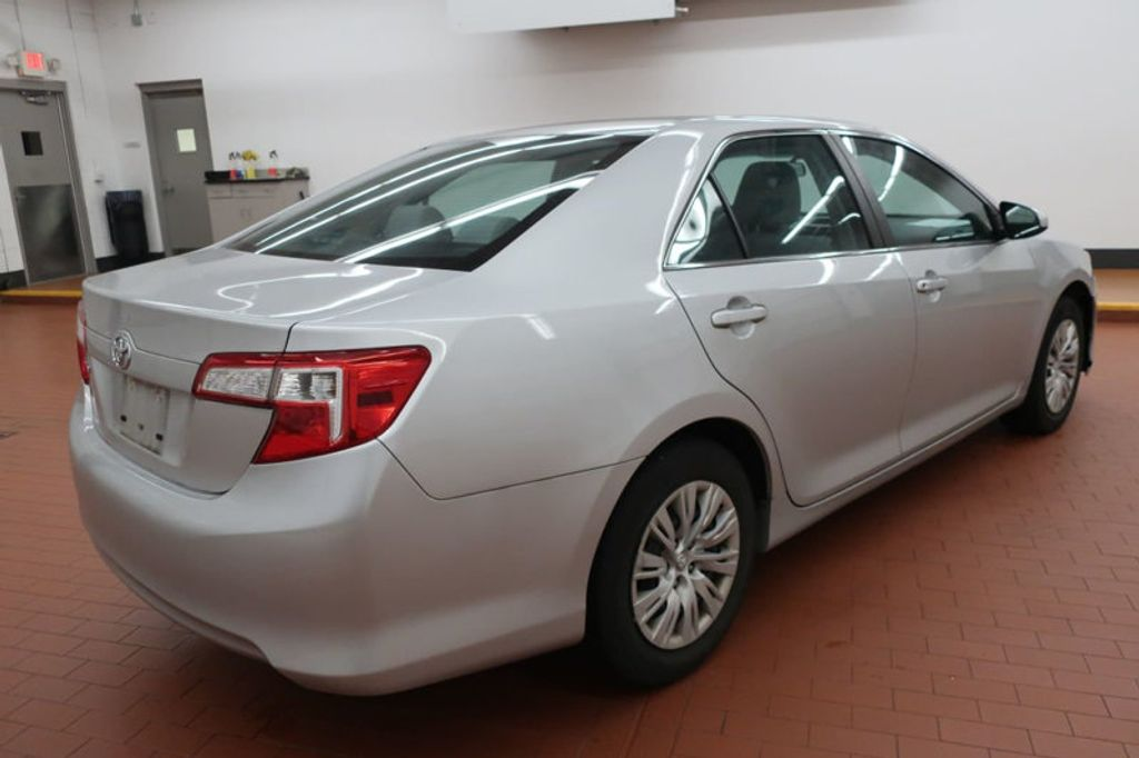 2014 Toyota Camry 4DR SDN I4 LE AT - 17113749 - 3
