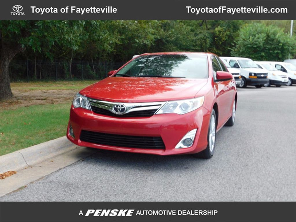 2014 Toyota Camry 4dr Sedan I4 Automatic XLE - 16824082 - 0