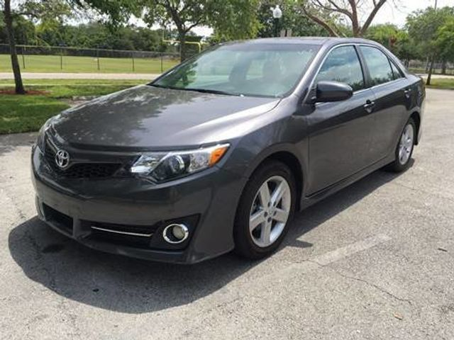 2014 used toyota camry se at a luxury autos serving miramar fl iid 14532834. Black Bedroom Furniture Sets. Home Design Ideas