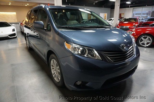 2014 Toyota Sienna 5dr 8-Passenger Van V6 XLE FWD - Click to see full-size photo viewer