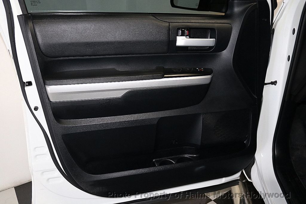 2014 Toyota Tundra Double Cab 4.6L V8 6-Spd AT SR5 (GS) - 18373364 - 9