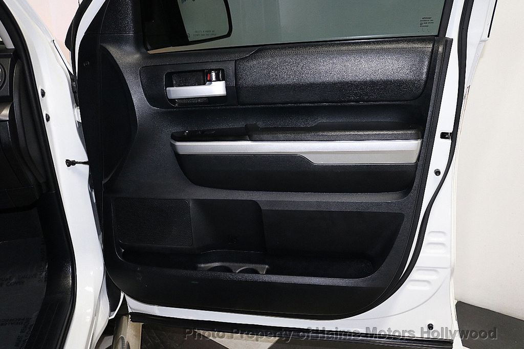 2014 Toyota Tundra Double Cab 4.6L V8 6-Spd AT SR5 (GS) - 18373364 - 12