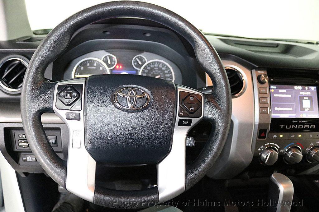 2014 Toyota Tundra Double Cab 4.6L V8 6-Spd AT SR5 (GS) - 18373364 - 28