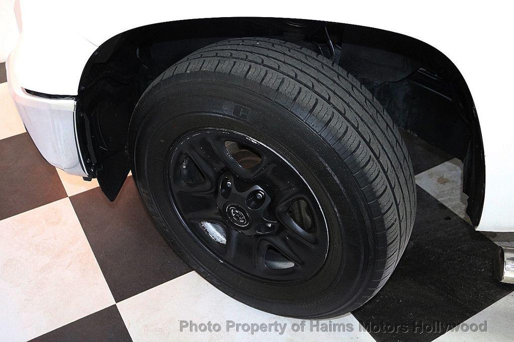 2014 Toyota Tundra Double Cab 4.6L V8 6-Spd AT SR5 (GS) - 18373364 - 32