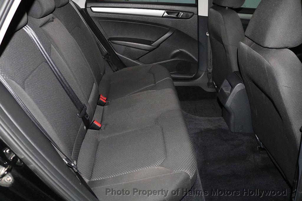 2014 Volkswagen Passat S - 17802207 - 14