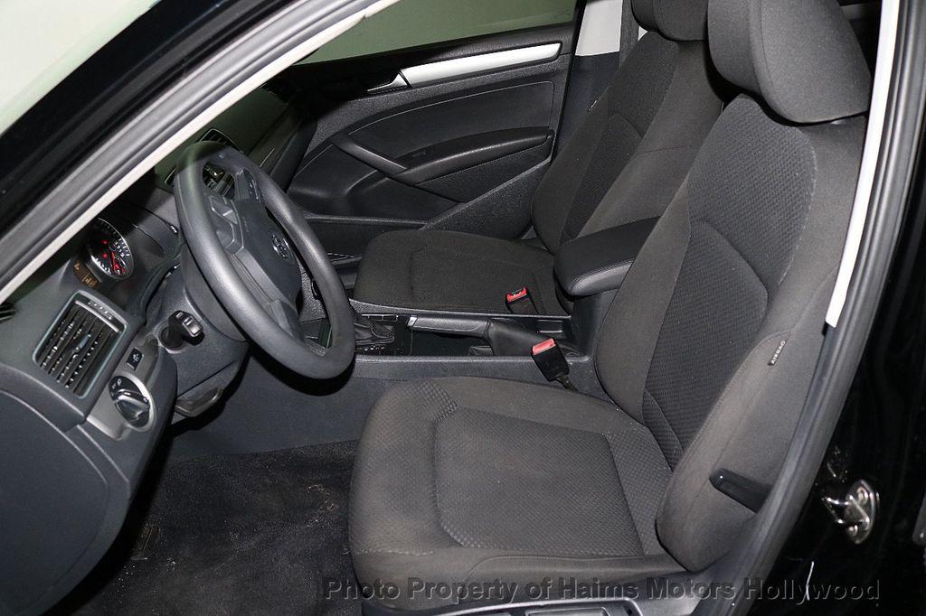 2014 Volkswagen Passat S - 17802207 - 16