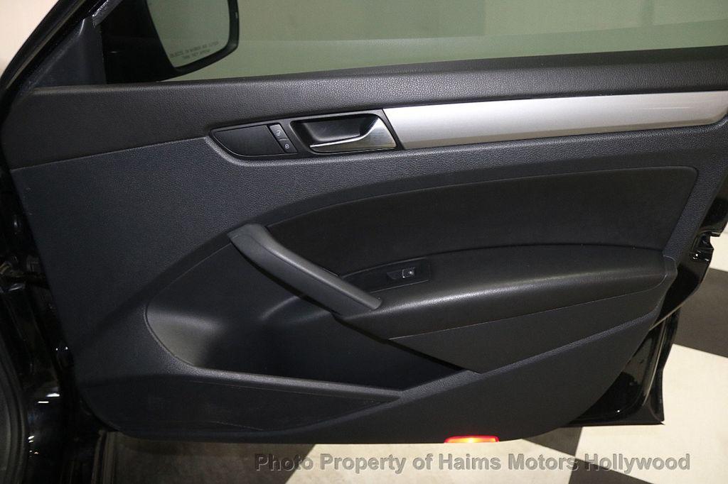 2014 Volkswagen Passat S - 17911470 - 13