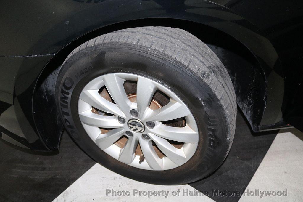2014 Volkswagen Passat S - 17911470 - 28