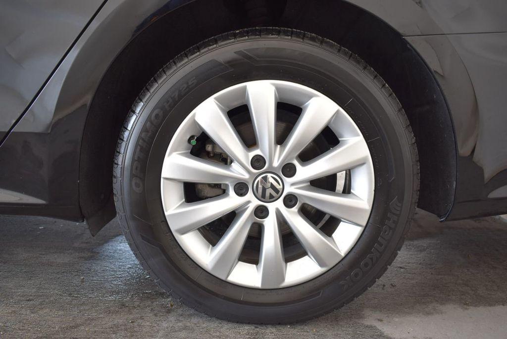 2014 Volkswagen Passat S - 18250859 - 9