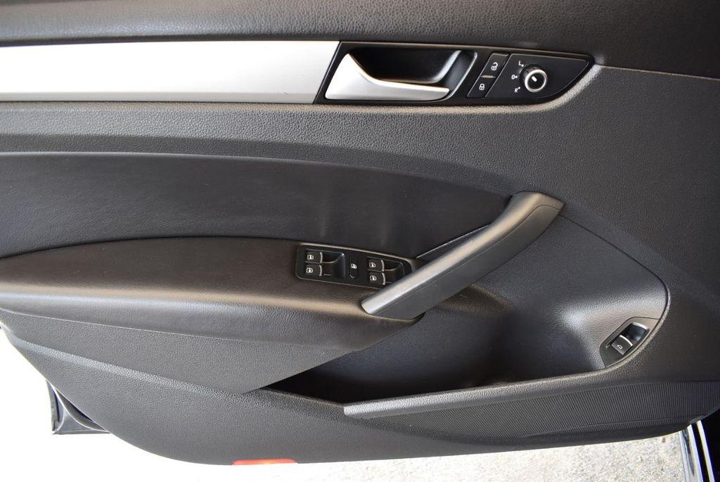 2014 Volkswagen Passat S - 18250859 - 11