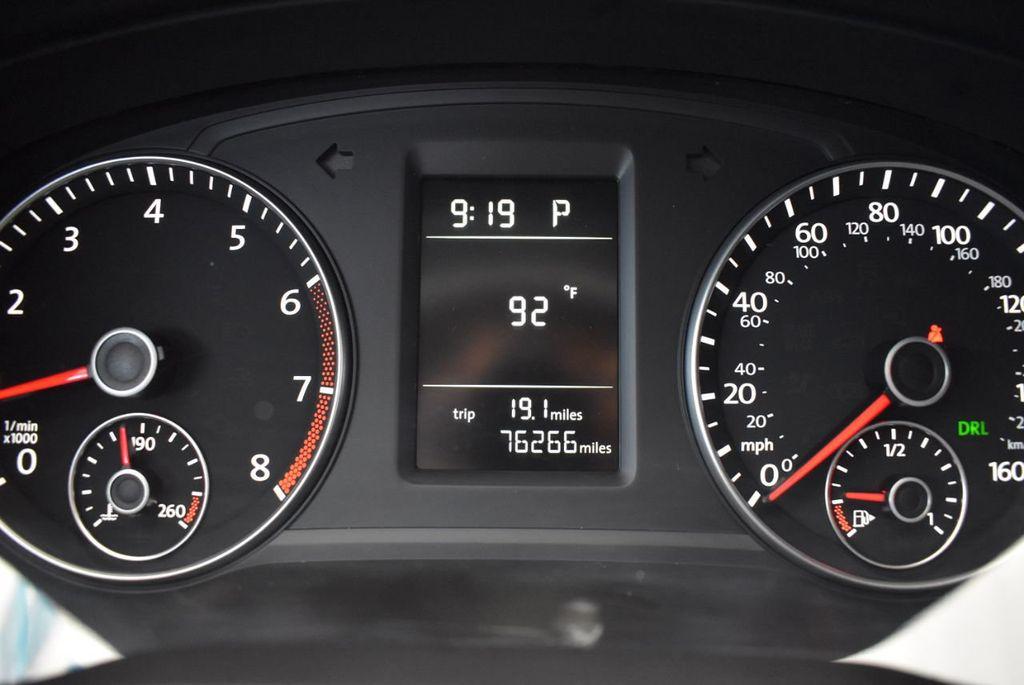 2014 Volkswagen Passat S - 18250859 - 14