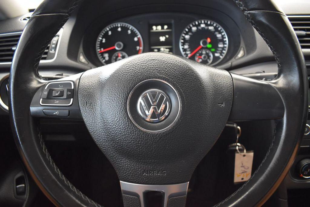 2014 Volkswagen Passat S - 18250859 - 15