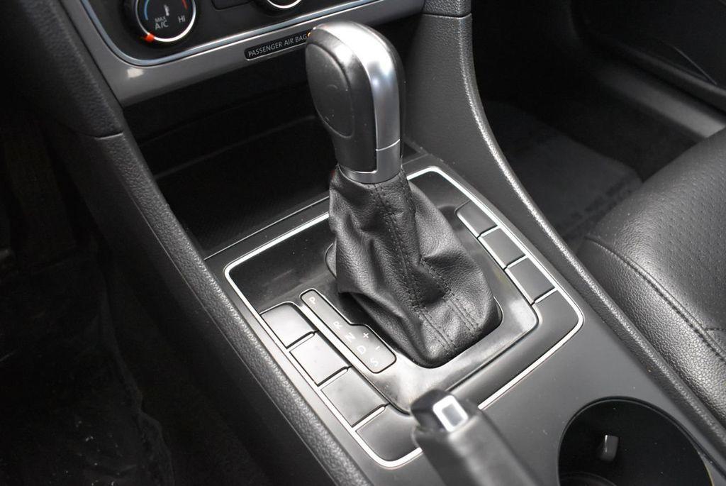 2014 Volkswagen Passat S - 18250859 - 18