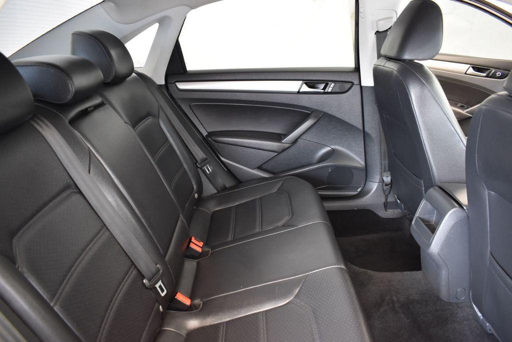 2014 Volkswagen Passat S - 18250859 - 19