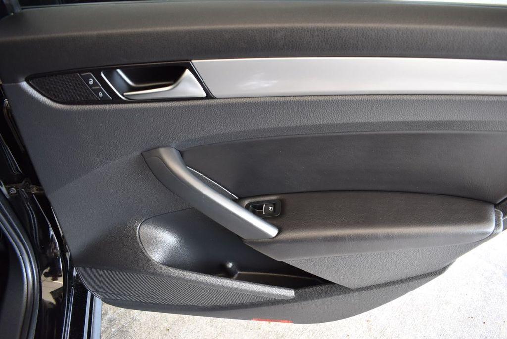 2014 Volkswagen Passat S - 18250859 - 20