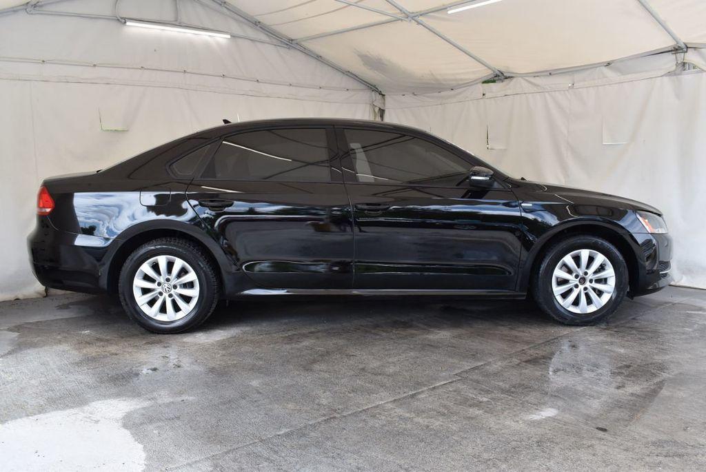2014 Volkswagen Passat S - 18250859 - 2