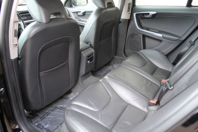 2014 Volvo S60 T5 LEATHER MOONROOF - Click to see full-size photo viewer