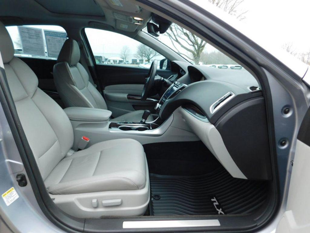 2015 Acura TLX 4dr Sedan FWD Tech - 18495811 - 3