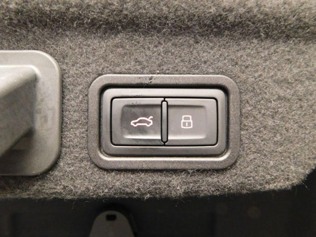 2015 Audi A8 4dr Sedan 4.0T - 18519481 - 19