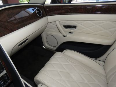 2015 Bentley Flying Spur 4dr Sedan V8 - Click to see full-size photo viewer