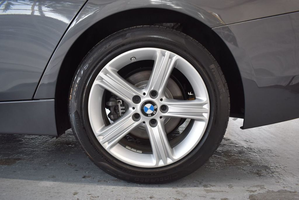 2015 BMW 3 Series 320i - 18387247 - 10