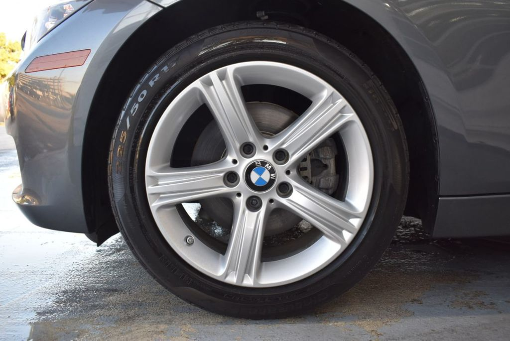 2015 BMW 3 Series 320i - 18387247 - 11