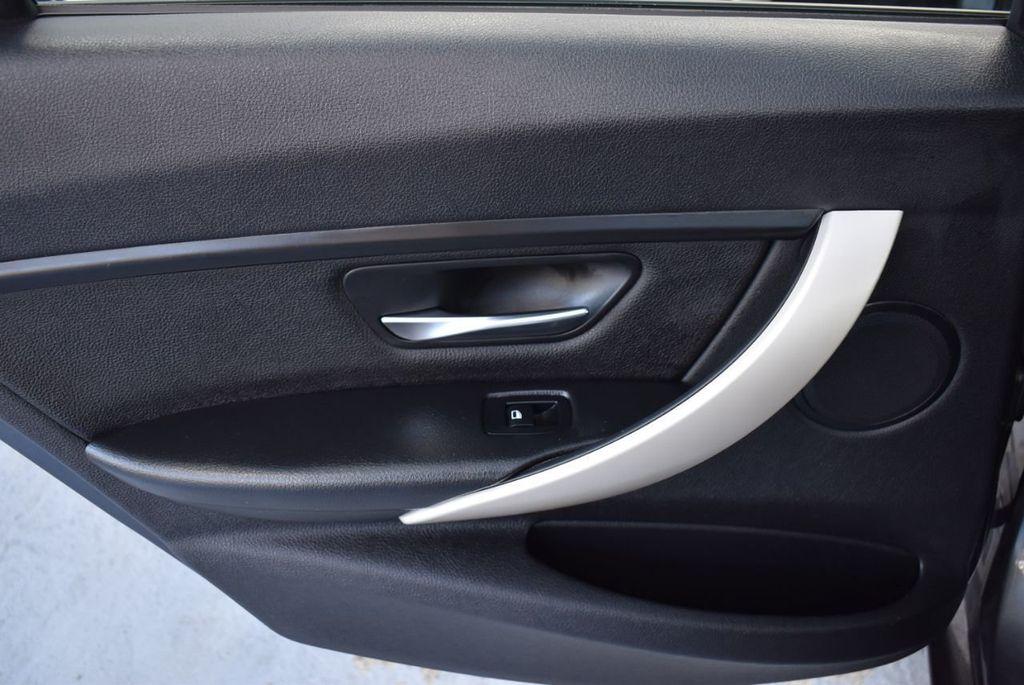 2015 BMW 3 Series 320i - 18387247 - 15